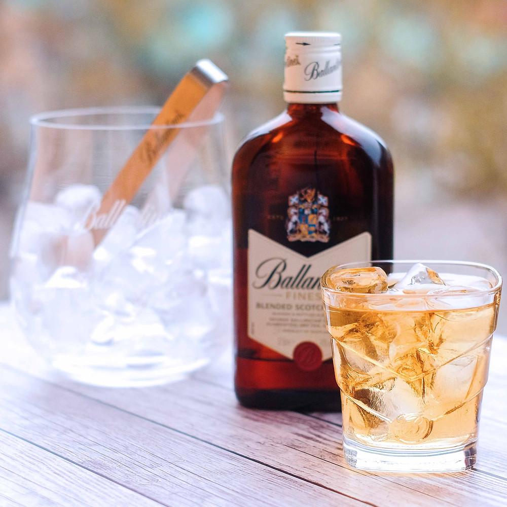 Лёд с виски, Виски Ballanties, бокал виски, Ballanties