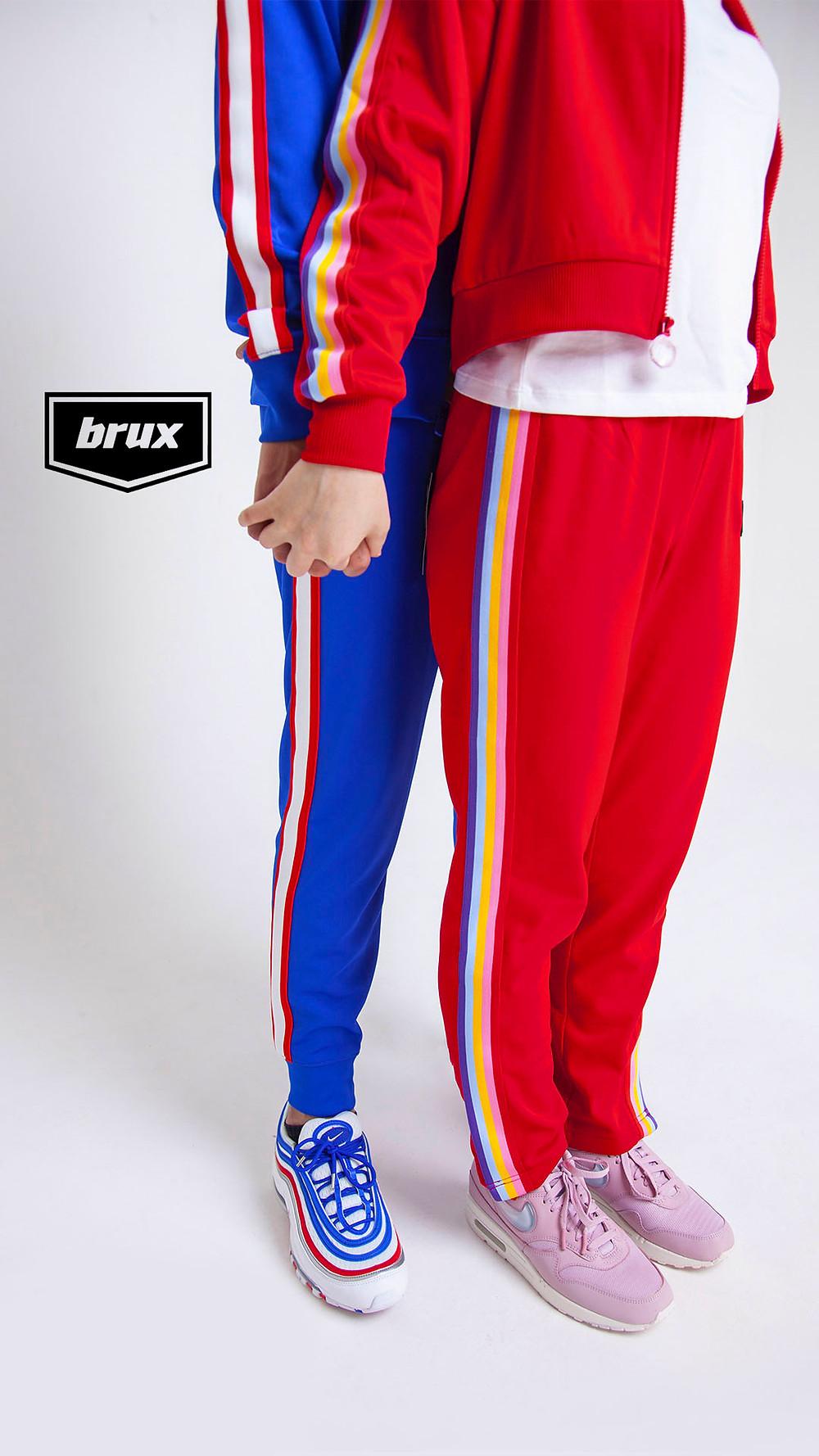 Яркий спортивный костюм Nike - для него.  Нежный спортивный костюм Juicy - для неё. Nike Air Max 97, Nike Air Max 1