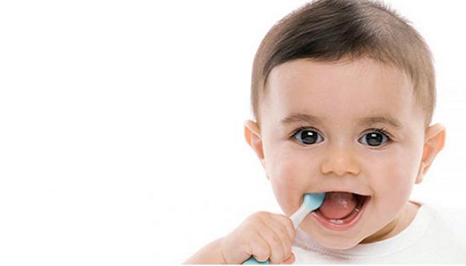 dientes, boca, cuidados higiene, cuidados bebe, recién nacido, fotografo Zaragoza recien nacidos, fotografo newborn, ecobarriguitas, ecografia,