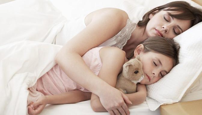 dormir, papas, cama, pesadillas, cuidados bebe, recién nacido, fotografo Zaragoza recien nacidos, fotografo newborn, ecobarriguitas, ecografia,