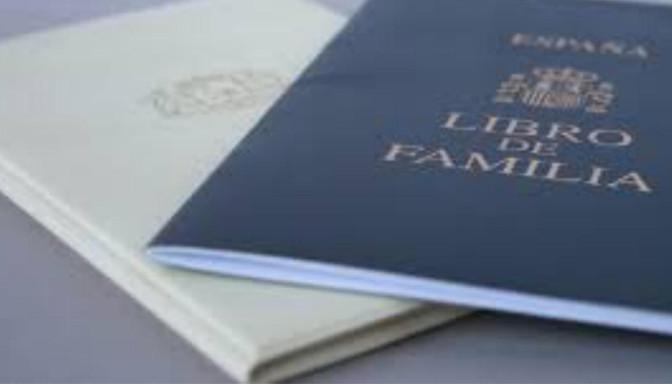 libro de familia, cuidados bebe, recién nacido, fotografo Zaragoza recien nacidos, fotografo newborn, ecobarriguitas, ecografia,