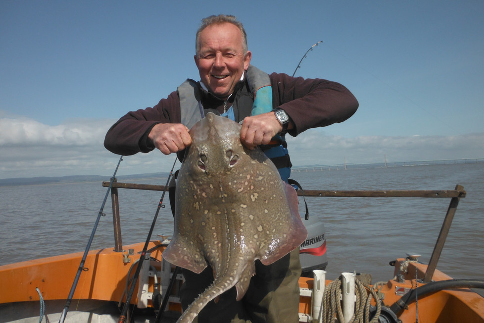 ON THE SPRING RUN. THE TWO OLDEST LAVE NET FISHERMEN IN WALES !!