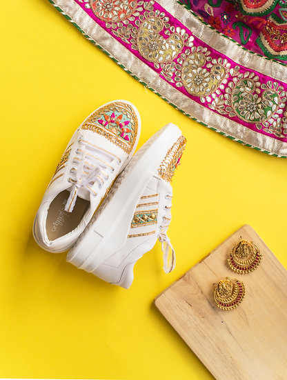 Gota Sneakers