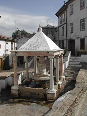 12Lugares Castelo de Vide fonte da vila