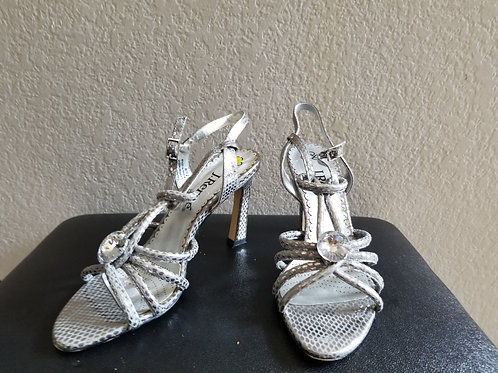 Like New. J. Renee' Sandal Style Shoes