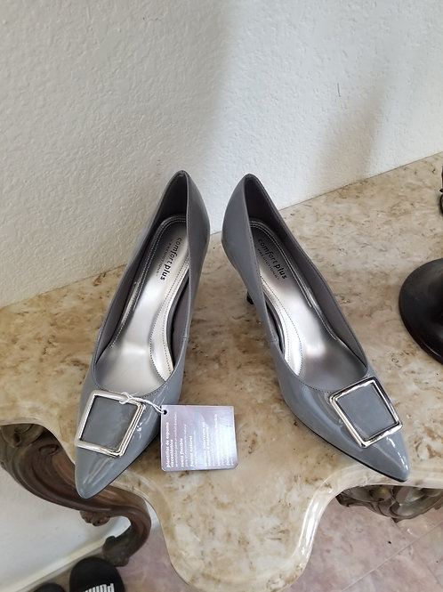 New. Gray Patent Leather Pump Shoes
