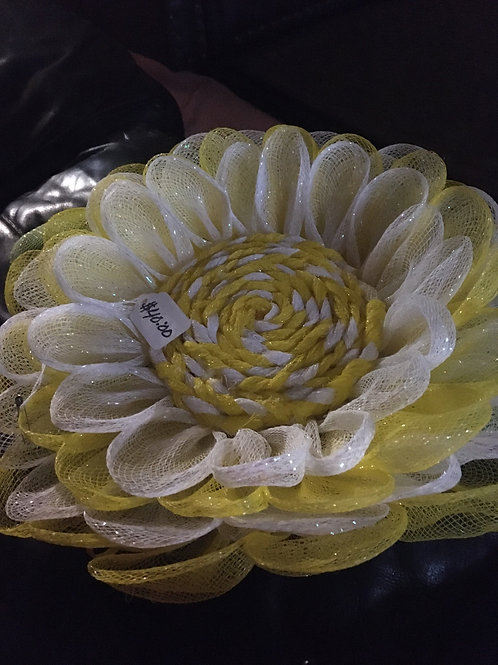 New. Handcrafted Sunflower Wreath