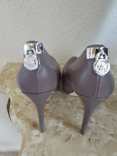 Like New: MK Originals Pump Shoes