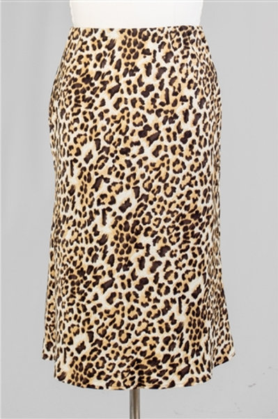 NEW. Plus Size Leopard Skirt