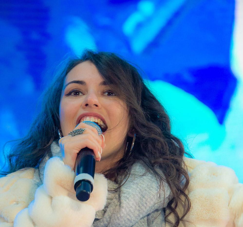 Silvia Cecchini Deejay on Ice 1.jpg