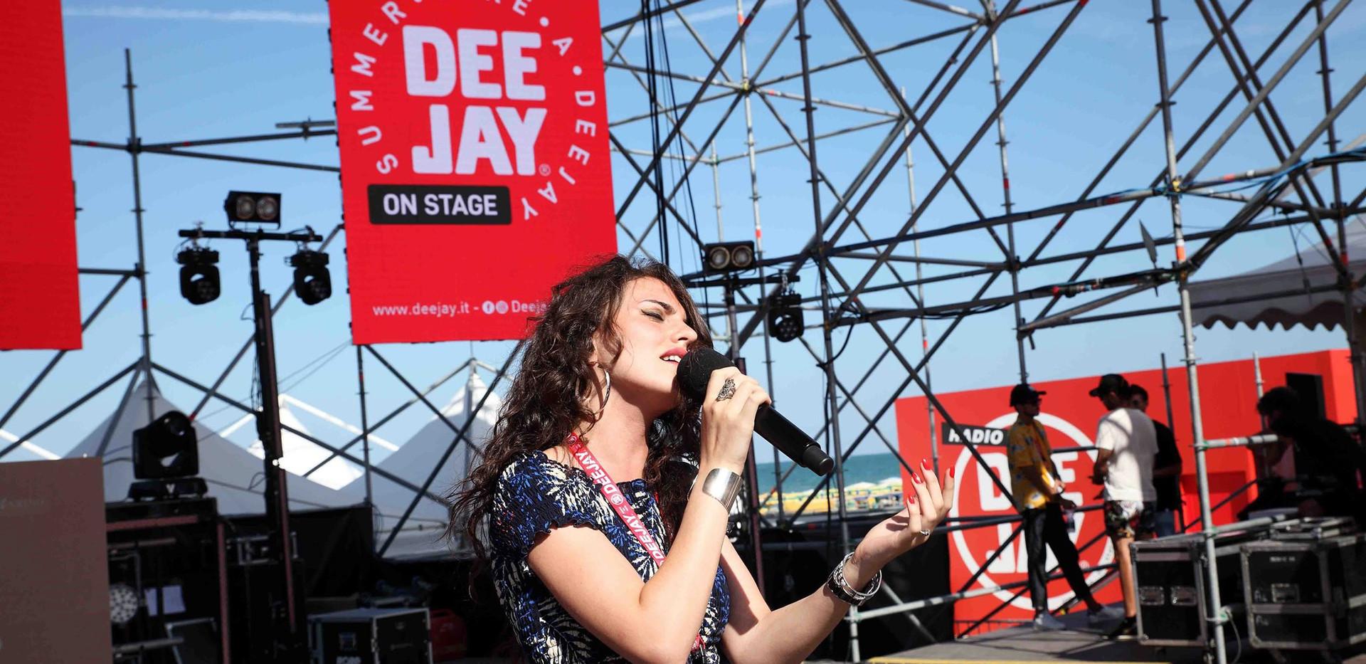 Silvia deejay on stage 3.jpg