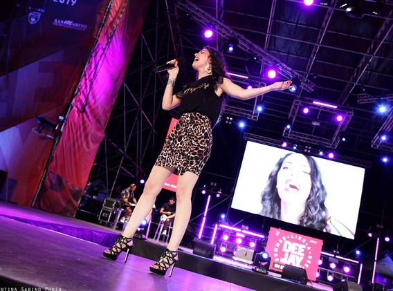 Silvia deejay on stage 5.jpg