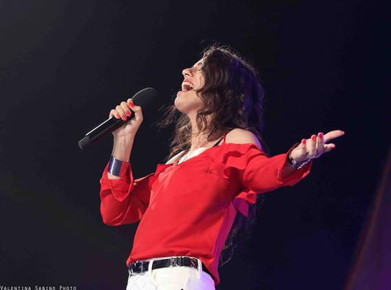 Silvia deejay on stage 14.jpg