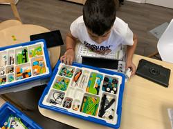 LEGO Robotics with Wedo 2.0