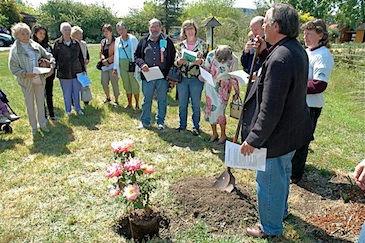 EarthKeepers planting.jpg