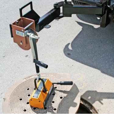 Manhole PowerArm Manual Winch