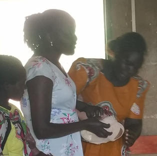 Demonstrating childbirth without FGM