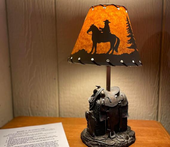 cabin lamp.jpg