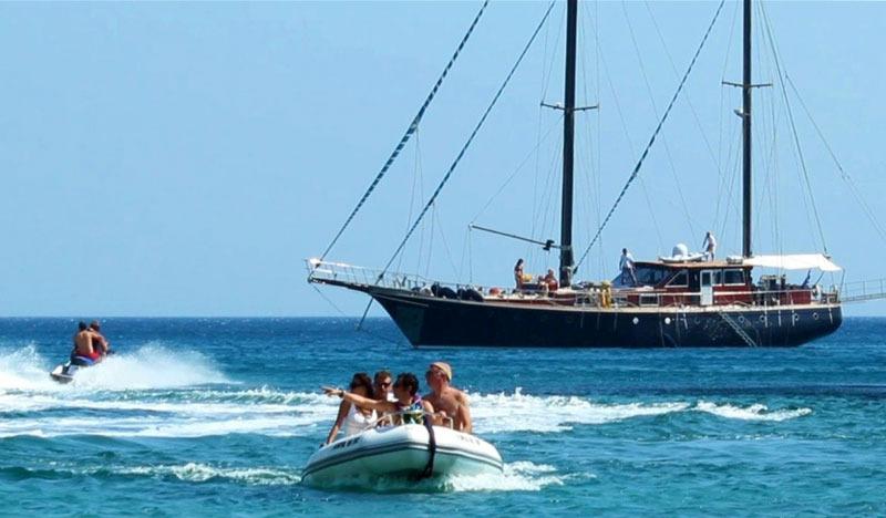 Charter_in_Greece_jpg