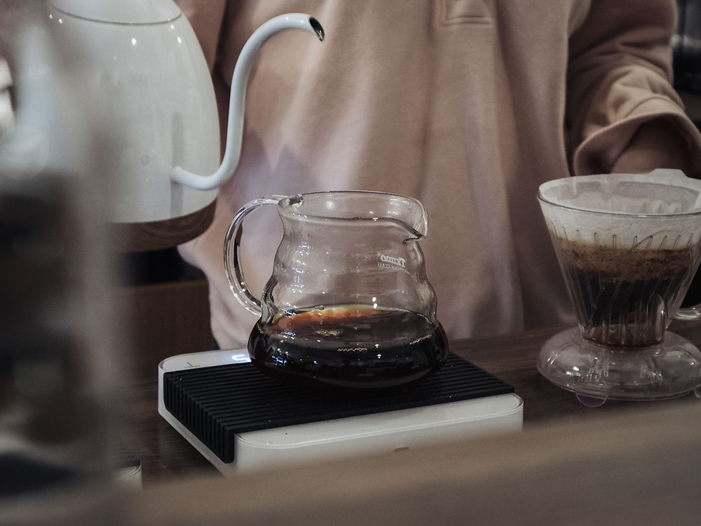 Lady Brewing Filter Coffee