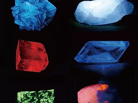 きらら舎 蛍光鉱物観察会と「蛍光」のワークショップ開催決定!