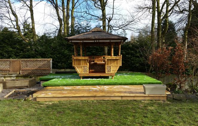 Tiki Hut on artifical grass