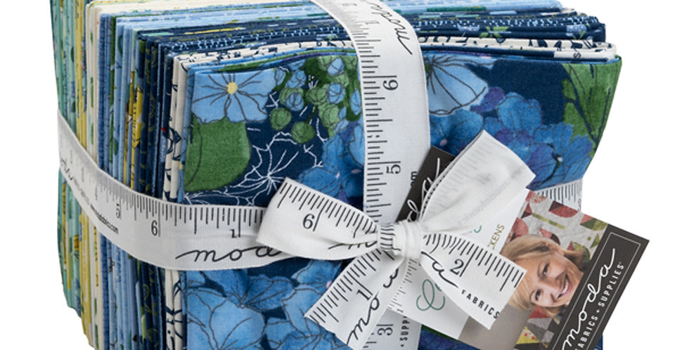 Moda - Fat Quarter Bundle - Cottage Bleu by Robin Pickens