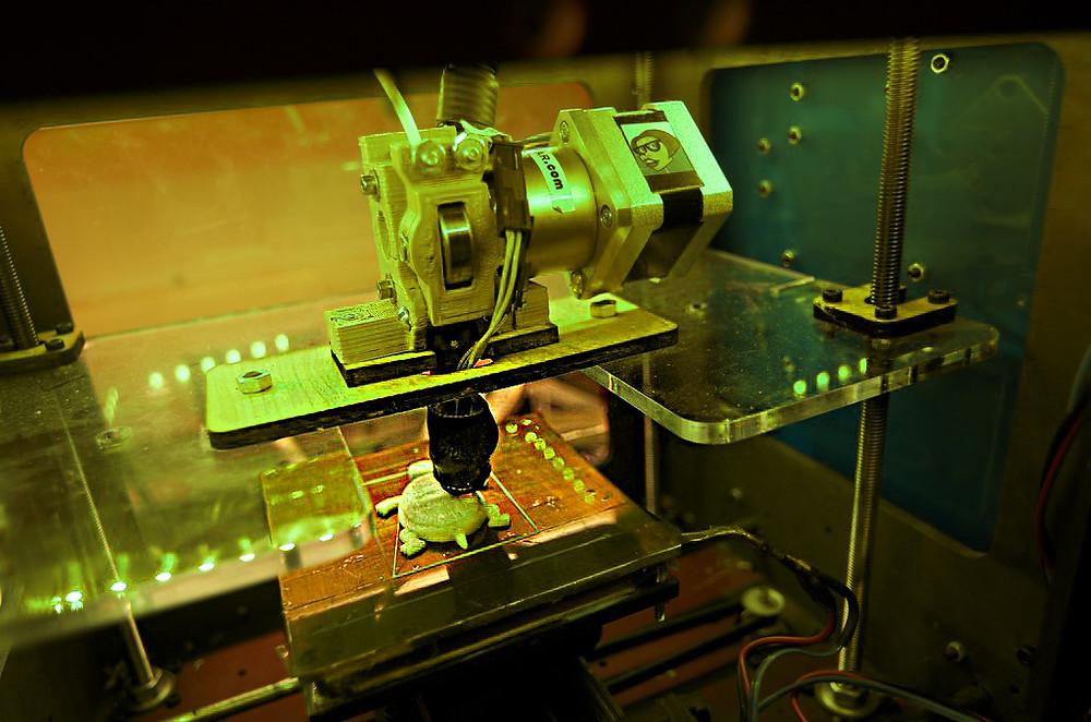 Druk 3D, drukarka 3D podczas pracy