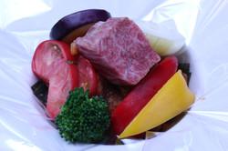 和牛と野菜のセロハン包み