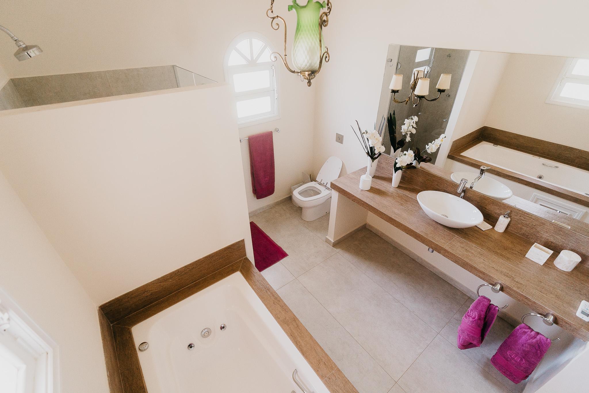Banheiro Suíte I - Ângulo 1