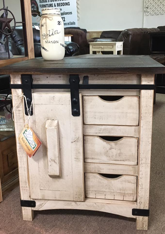 A little Farmhouse Charm Barndoor table