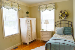 Beautifully Furnished Private Rooms