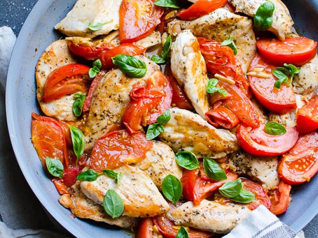 Alcoeur Apron's Chicken Breast with Tomatoes and Garlic