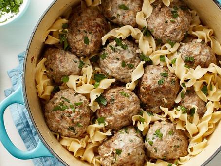Alcoeur Apron's Swedish Meatballs with Egg Noodles