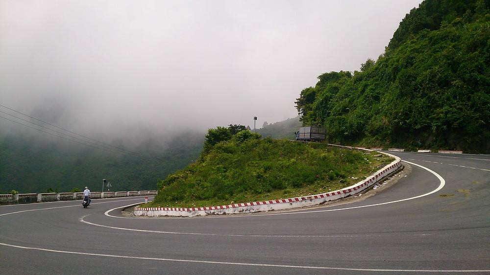 Hai Van Pass, between Hue and Da Nang (c) Graham Minser