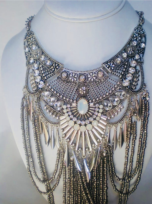 """Extraordinary"" Luxe Glam Lengthy Necklace"