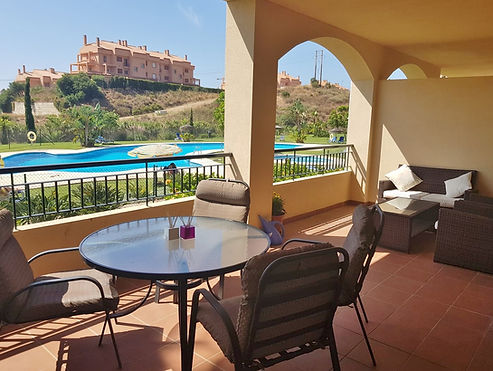 Stunning air conditioned apartment with large poolside terrace.  Only a short walk to the beach, restaurants & supermarket.  Set in the tranquil gated complex of Pinares de Mijas.