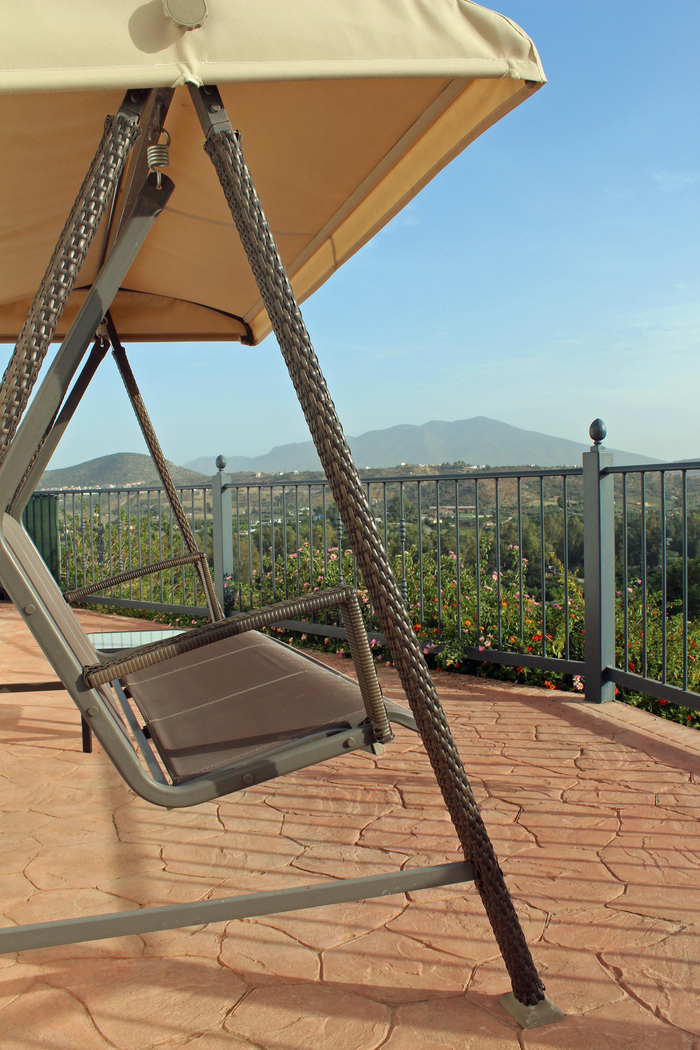 A7 Swing Seat