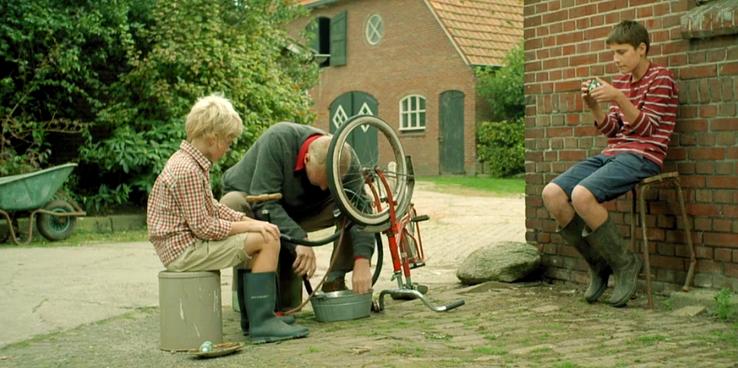 WILDE HAREN / ART DIRECTION & REKWISIETEN / VENSTER FILM 2015