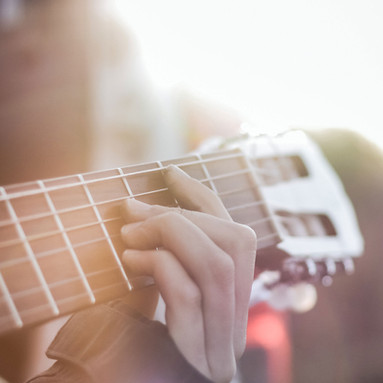 The Dos and Don'ts of Booking Live Music