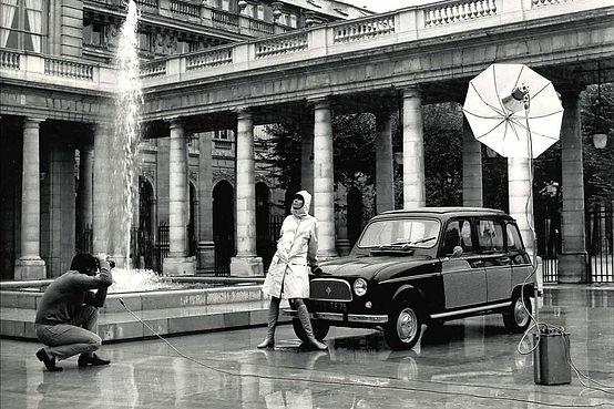 Renault_4_parisienne_black.jpg