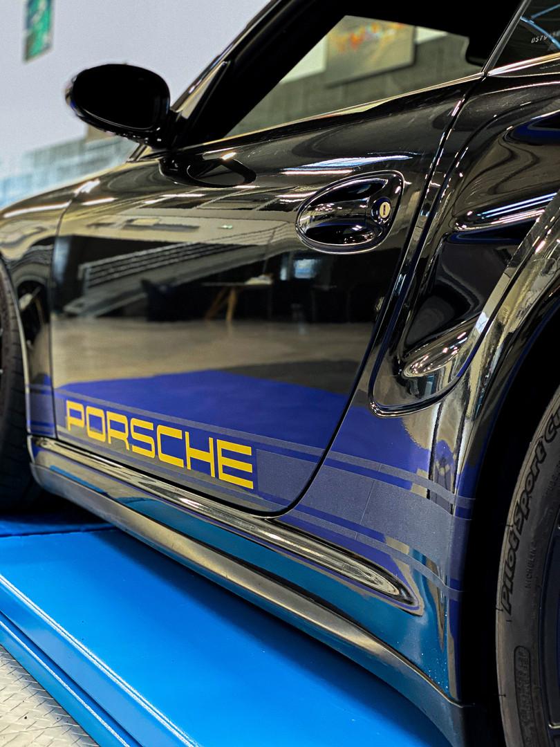 Porschebande.JPG