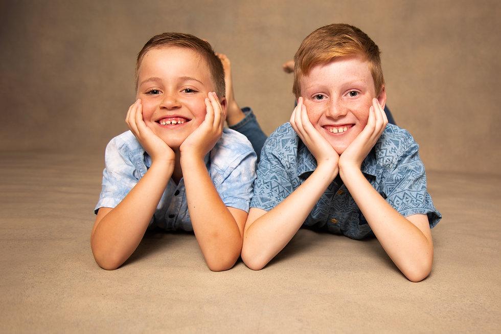 Bros family portrait by Photos by Caro.j