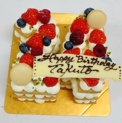 <数字ケーキ>  数字により最低サイズがございますのでお問い合わせください