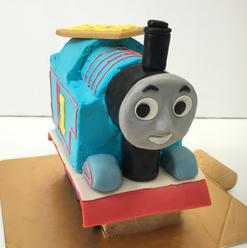<キャラクター立体ケーキ>  写真は参考ですので、デザインにより仕上げ変更になります  絞るタイプ・つるっとしたタイプをご指定下さい