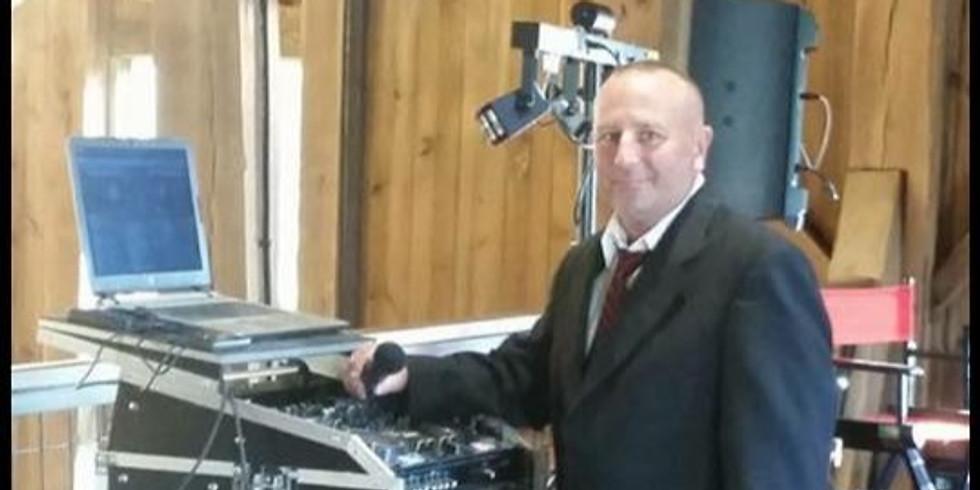 DJ Matt Phelps at The Flood Zone!
