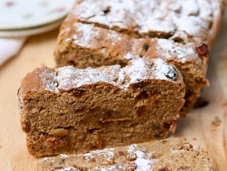 Glutenvrij paasbrood met dadelspijs
