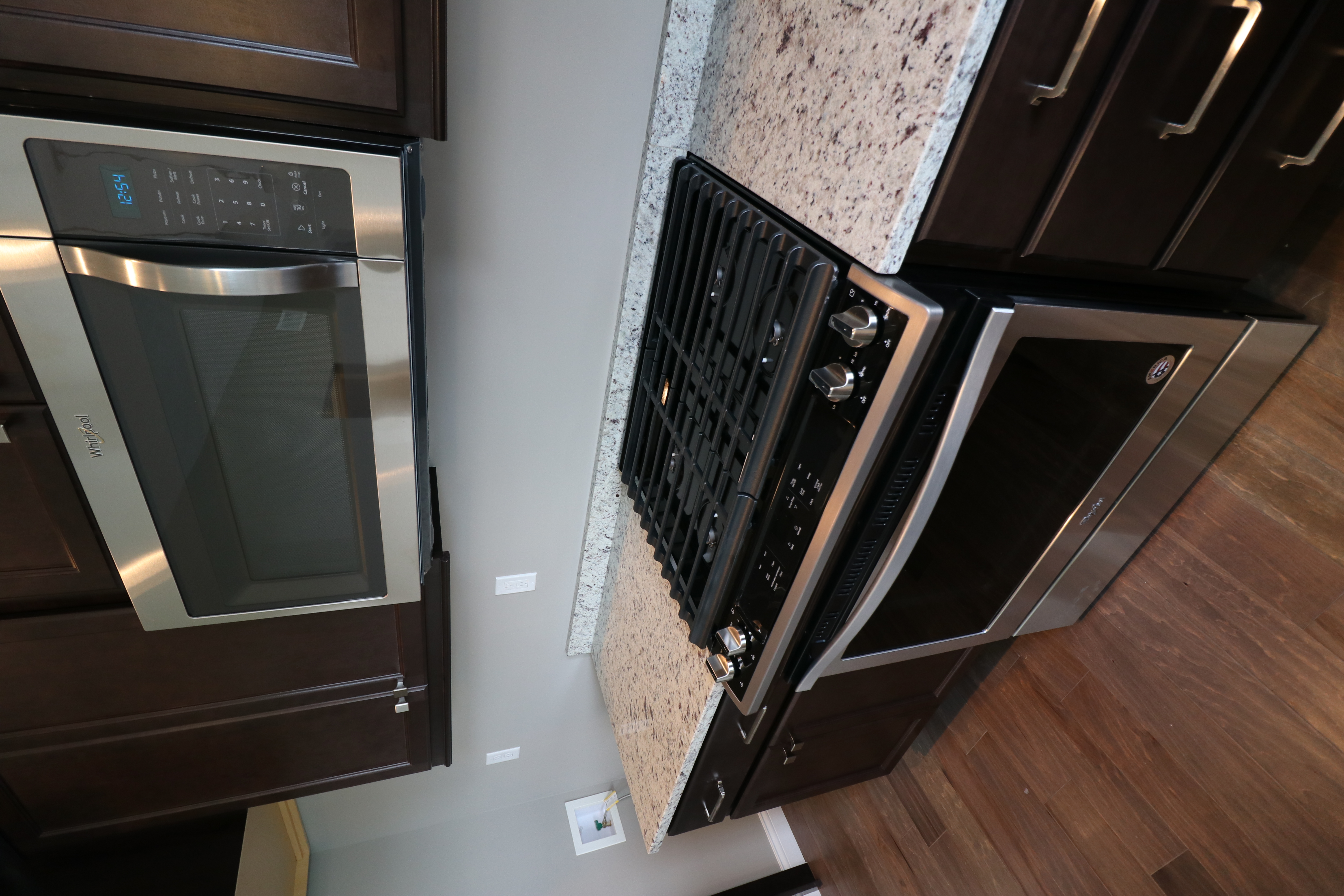 House for sale in the Dunlap peoria area stove_oven