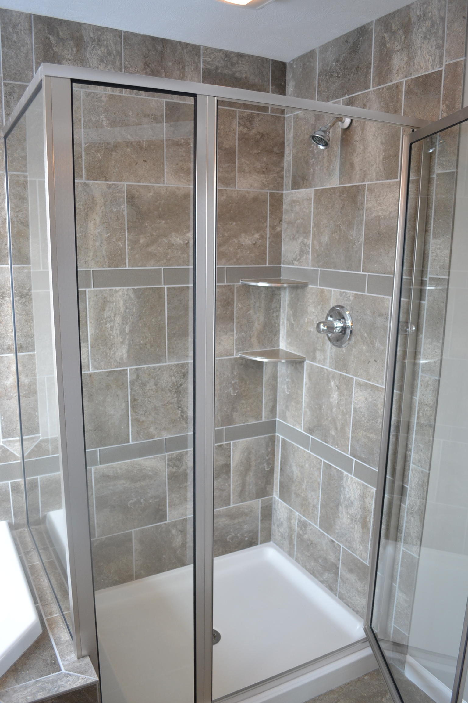 New Home in Champaign with nice shower