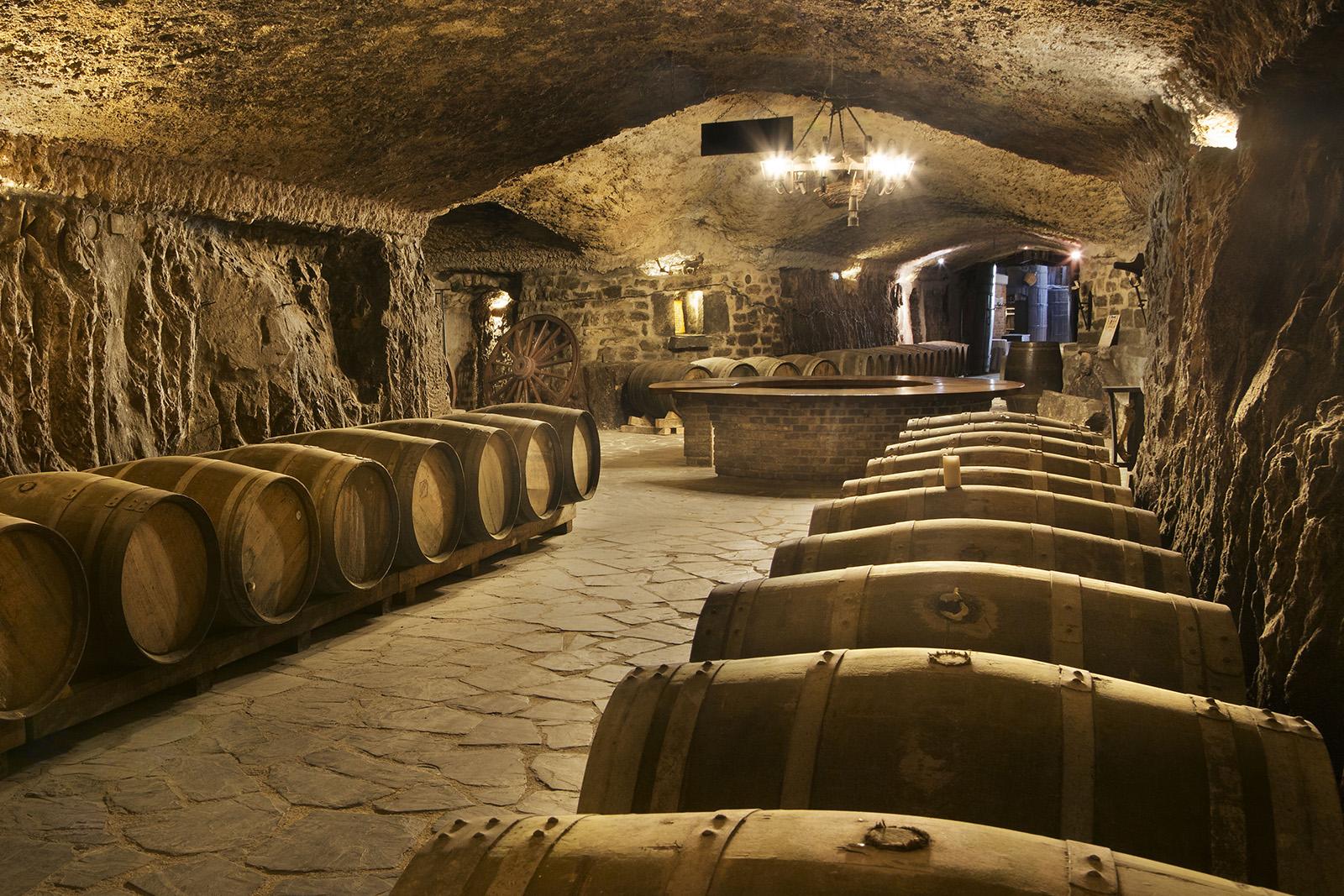 Barricas-en-las-cuevas2